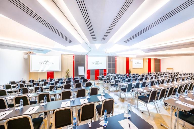 Выездная конференция, Прага