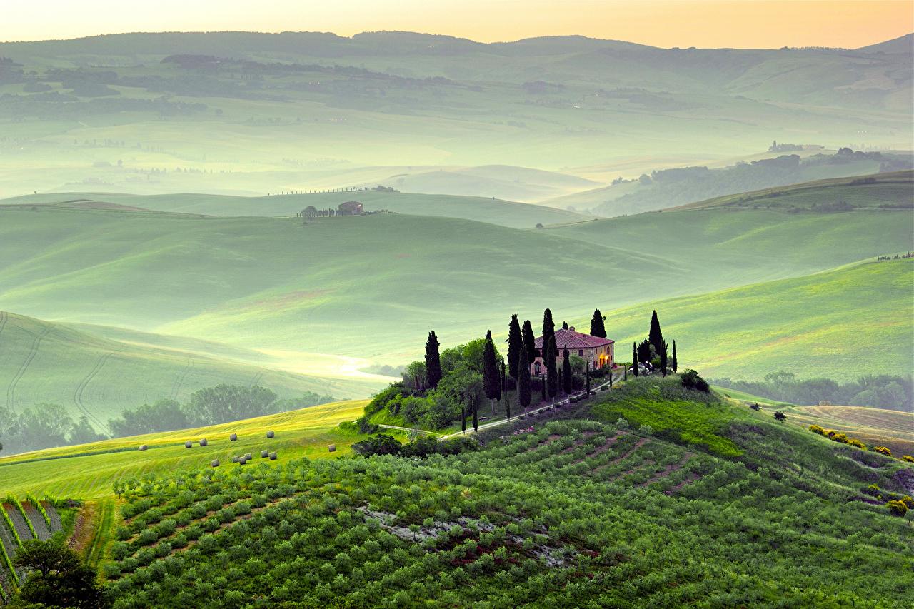 Монтекатіні - чудове місце для подорожей. Окрім огляду місцевих пам'яток,  звідси можна легко дістатися таких міст, як Пістойя (15 хв на машині), Лукка (20 хв), в 50 км знаходиться Піза та скарбниця світової художньої культури - Флоренція.