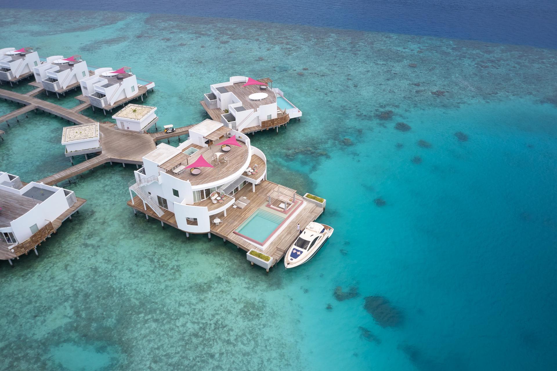 Ідеальне розташування для знайомства з найвідомішими місцями для дайвінгу на Мальдівах