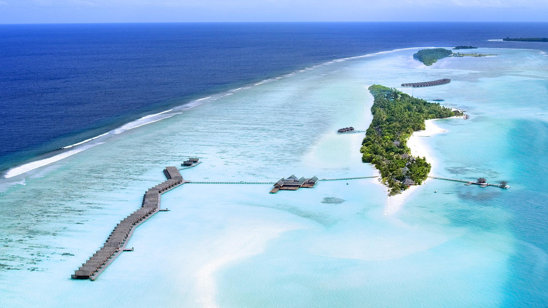Один из крупнейших курортных остовов на Мальдивах