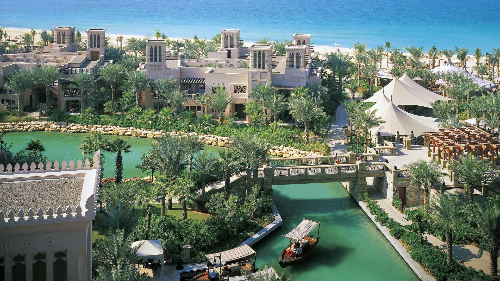 Найдовший приватний пляж Дубая знаходиться всього за кілька кроків