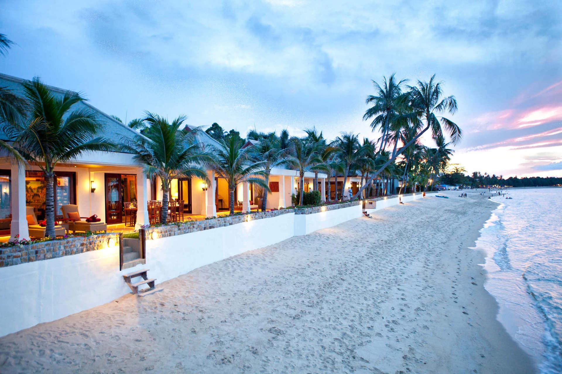 Особлива концепція готелю передбачає розміщення на окремих віллах (від 2 до 14 спалень), які розташовані на березі океану, мають свій індивідуальний басейн та усі зручності для приватного відпочинку.