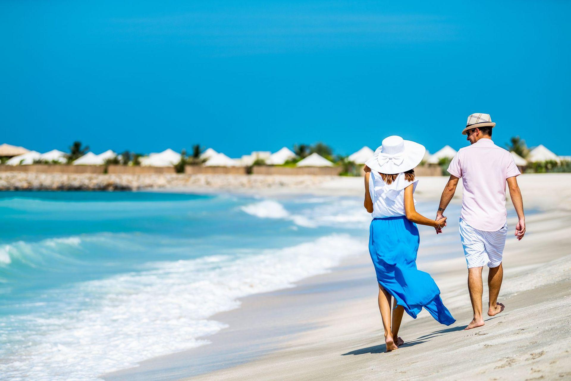 Доступ до приватного пляжу The Ritz-Carlton Al Hamra Beach.