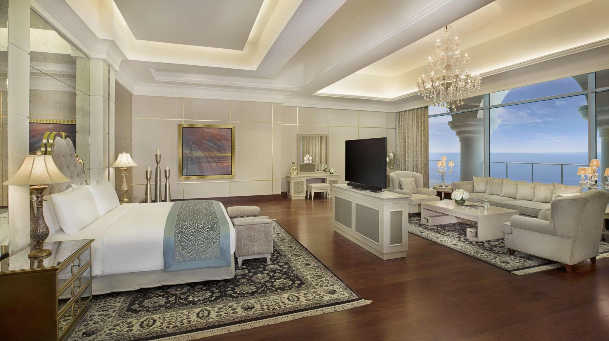 Waldorf Astoria Spa був нагороджений званням «Кращий розкішний пляжний курорт» в Об'єднаних Арабських Еміратах на World Luxury Spa Awards 2018.