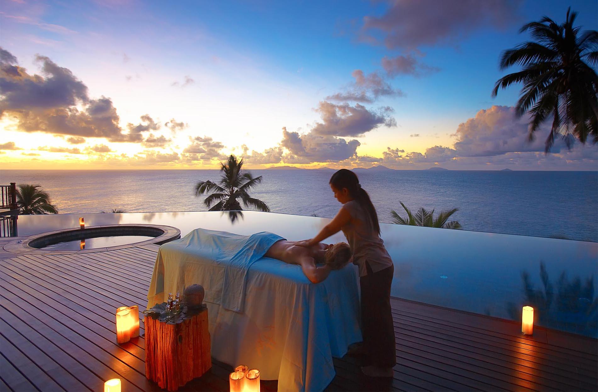 Після довгої дороги вам запропонують розслабитись на 60-хвилинному сеансі безкоштовного вітального масажу в SPA-центрі Rock або відвідати 60-хвилинне вступне заняття з дайвінгу в басейні