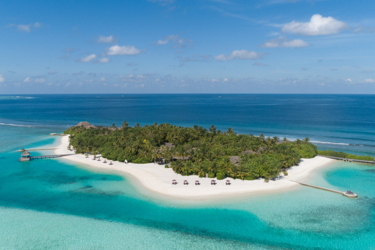 Naladhu Private Island 5*