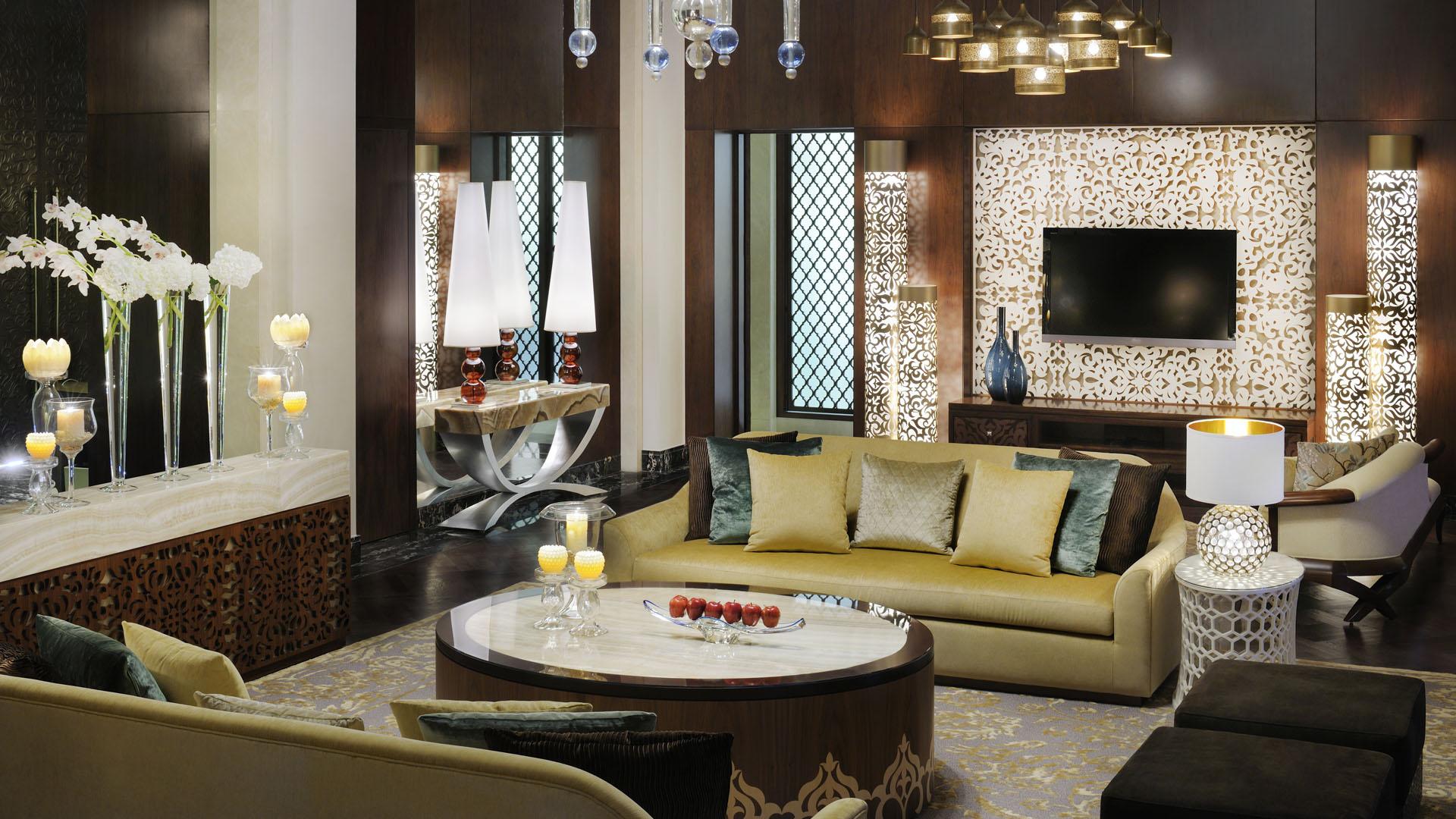 Мальовничий дизайн курорту в мавритансько-андалузському стилі з внутрішніми двориками, вигадливими фонтанами та ідеально доглянутими газонами створює затишну атмосферу разом з відчуттям приватності.