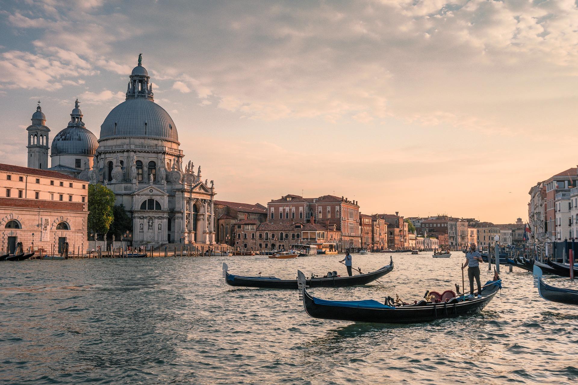 Готель Terme Due Torri є ідеальним місцем для знайомства з Венецією, регіоном Венето і іншими дивовижними місцями північної Італії.
