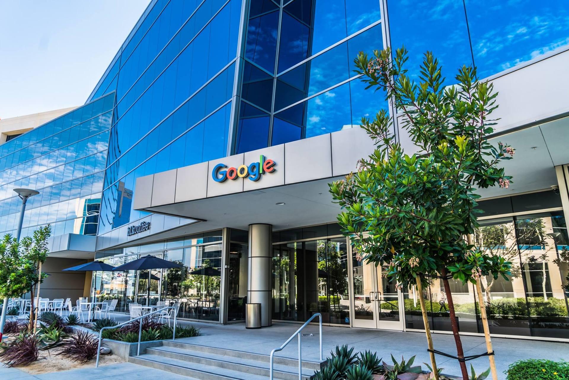 Поспілкуєтесь із представниками штаб квартир відомих компаній (Google, Facebook, Amazon тощо), поставите важливі для вас питання і отримаєте відповіді, корисні для свого бізнесу