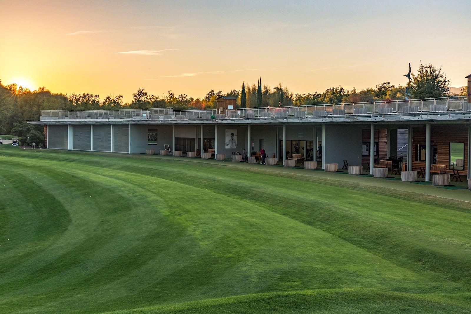 Висококласні об'єкти і еко-об'єкти отримали сертифікат GEO® (Організація із захисту навколишнього середовища гольфу), а сам готель визнаний кращим гольф-курортом в континентальній Європі відомим журналом Golf World UK в 2019 році.