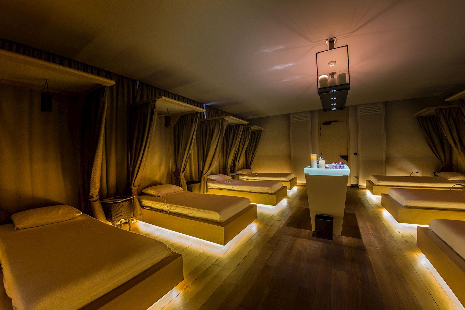 Terre Blanche Spa сочетает в себе традиционные и современные методы лечения, инновационные технологии и косметические ритуалы от KOS Paris и VALMONT проводятся опытной командой терапевтов.