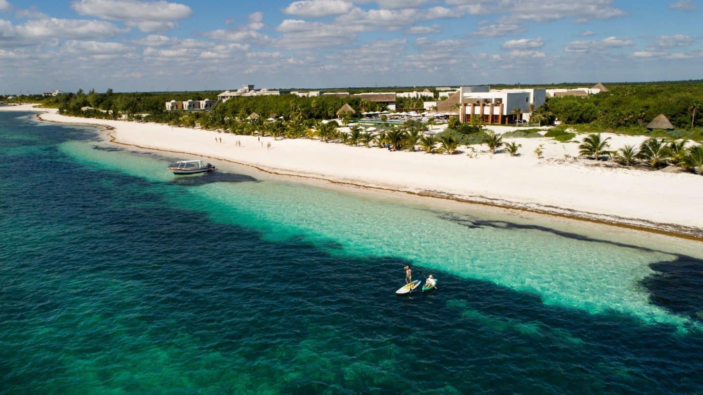 Отель обладает одним из самых длинных частных пляжей на Ривьера Майя - Марома (200 м)
