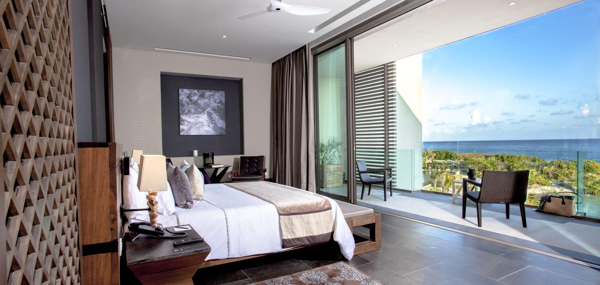 Багато номерів Suite мають власний сад, басейн, просторі тераси, панорамні вікна з видом на море або мангрові ліси