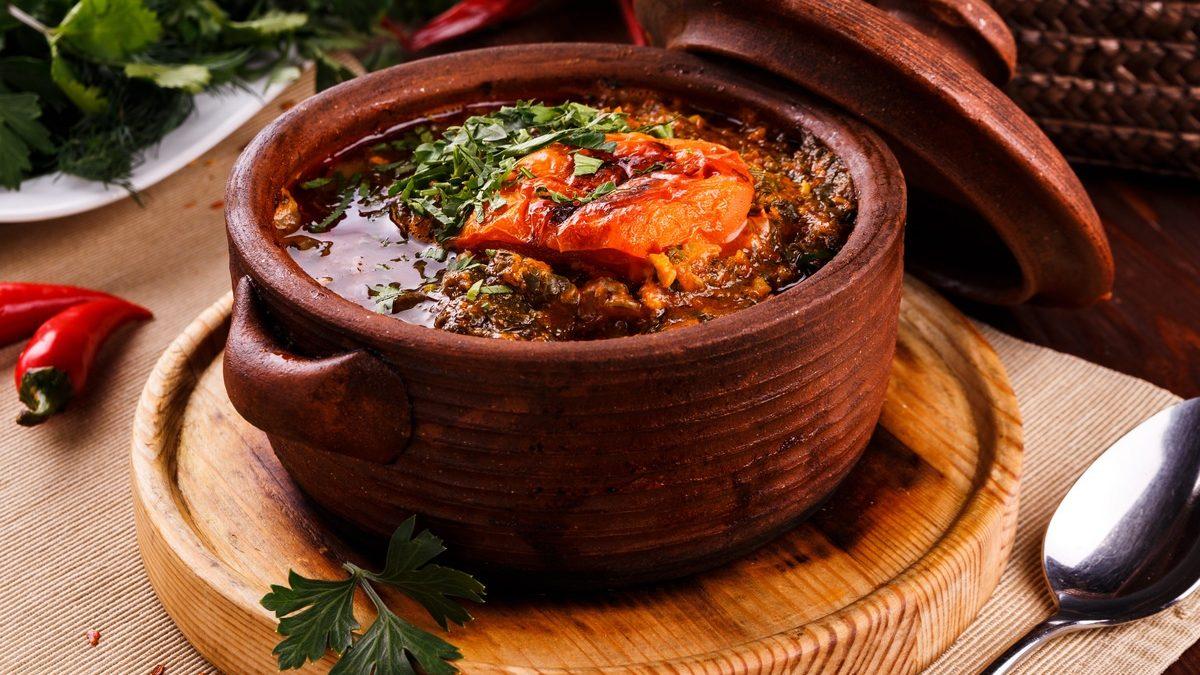 Примете участие в приготовлении армянских блюд Чанах и Похинз, мастер-классе по изготовлению Суджух и Гата