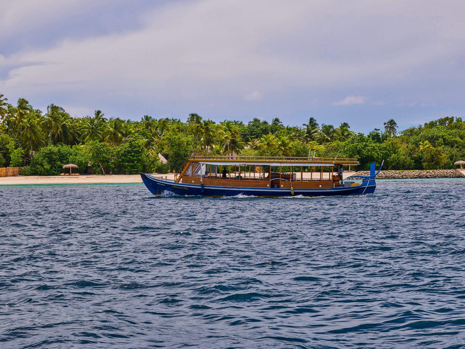 Беспечный и комфортный отдых гостям резиденций обеспечивает персональный батлер, а частные лодки-дони позволят вам совершать самостоятельные путешествия вокруг курорта.