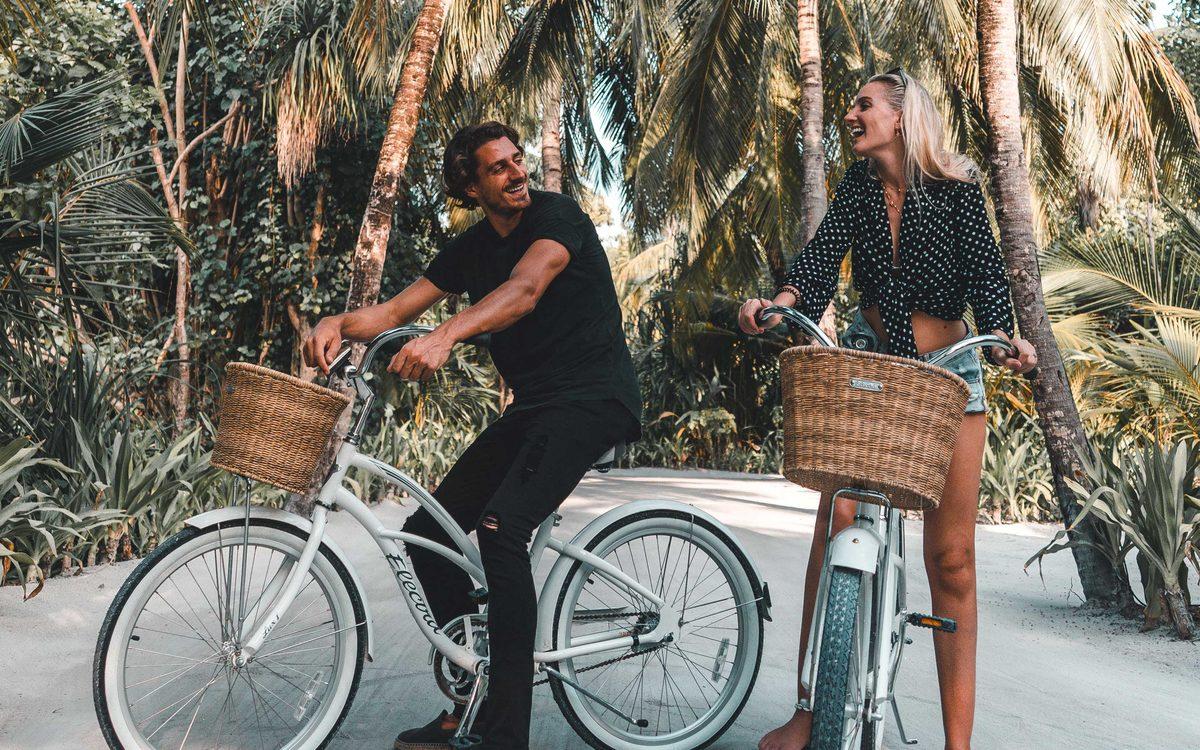 Фірмові велосипеди One & Only спеціально підготовлені для кожного гостя. У вартість бронювання кожної вілли входить оренда двох велосипедів, на додаток до яких можна додатково орендувати по одному і для дітей.