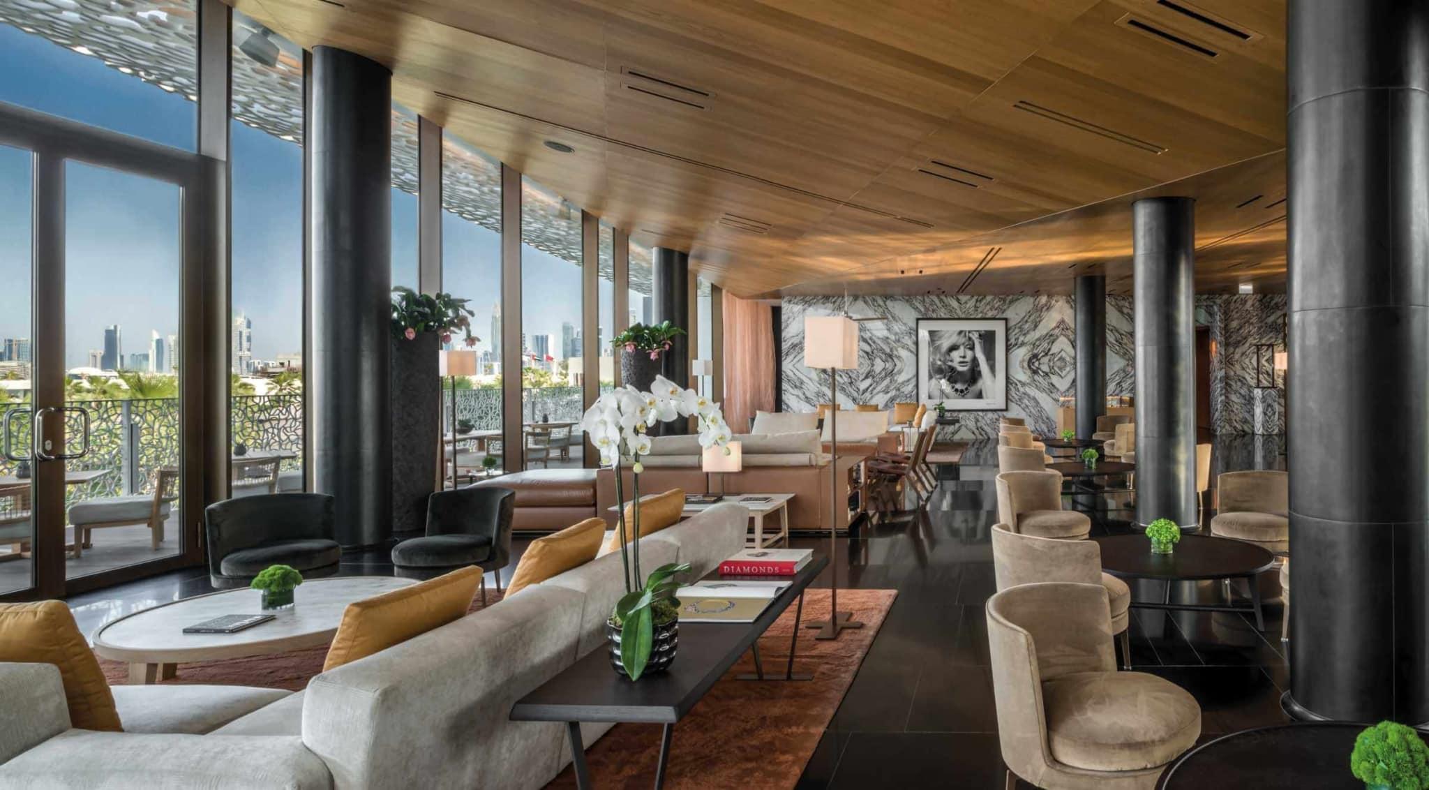 Побалуйте себе відпочинком у розкішному готелі, дизайн якого  поєднує в собі італійський та середземноморський мотиви.