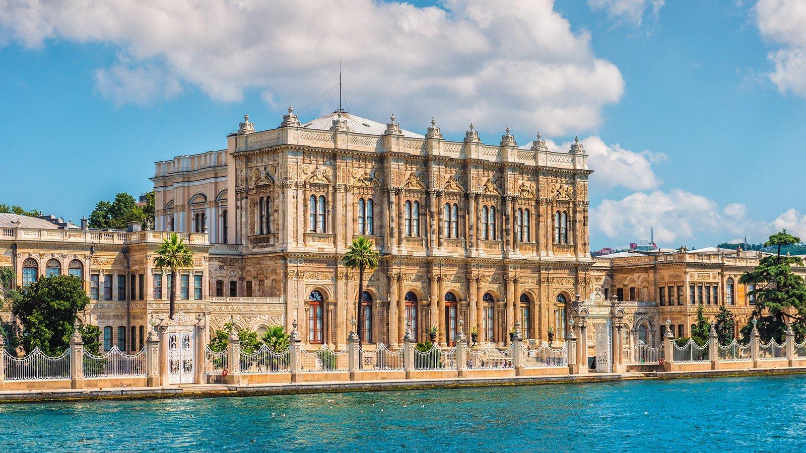 У вас буде можливість познайомитися із історією архітектури такого величного міста, як Стамбул
