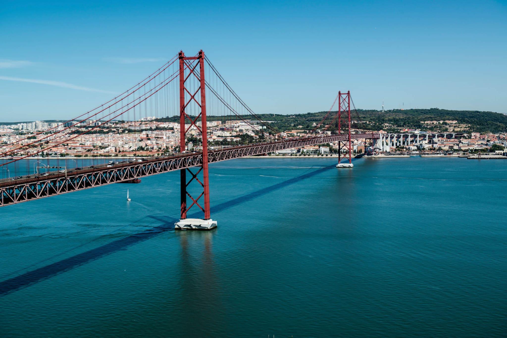 Неперевершені мости Лісабона
