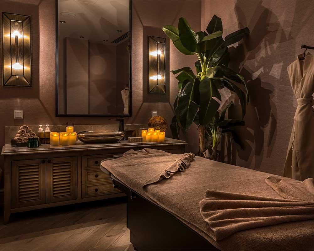 Тишина и уют SPA-центра отеля позволит вам полностью расслабиться, поскольку массажисты избавят вас от напряжения и стресса с помощью широкого выбора древних ритуалов и традиций, фирменных или традиционных турецких, азиатских и балийских процедур.